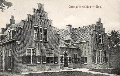 Oude foto Eper gemeentewoning